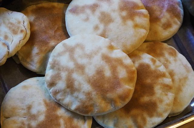 Evde Kolay Pita Ekmek Yapımı