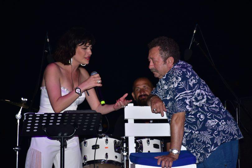 Gonca Vuslateri Erkan Can birlikte şarkı söyledi