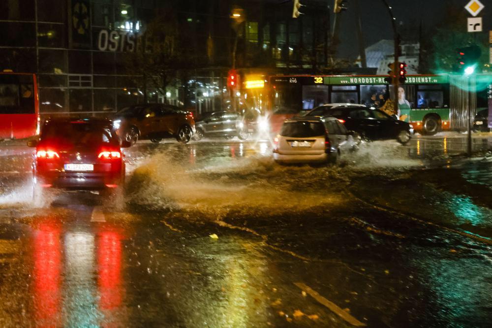 Polonya'da şiddetli fırtınada 4 ölü